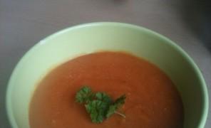 Beatos pomidorų ir lęšių sriuba