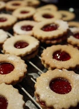 Beatos sausainiai su uogiene
