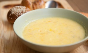 Beatos moliūgų sriuba su krevetėmis ir kokoso pienu