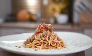 Beatos spagečiai su pomidorų padažu