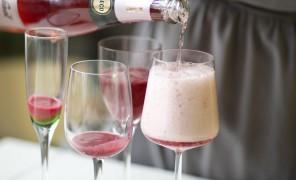 Beatos kokteilis su purojančiu vynu
