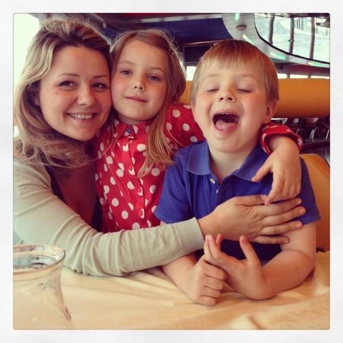 Beata su vaikais