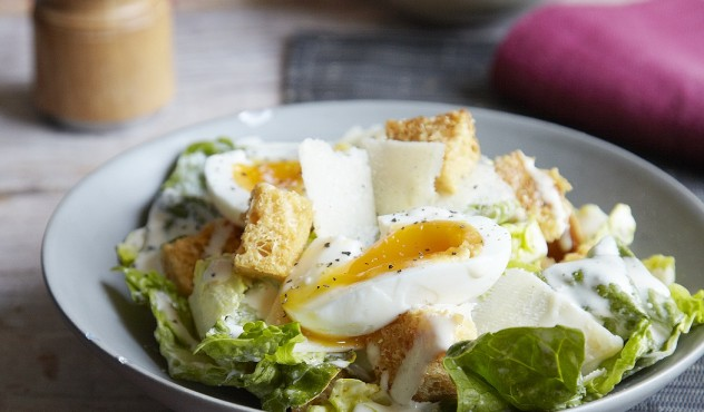 Cezario salotu padazas su majonezu