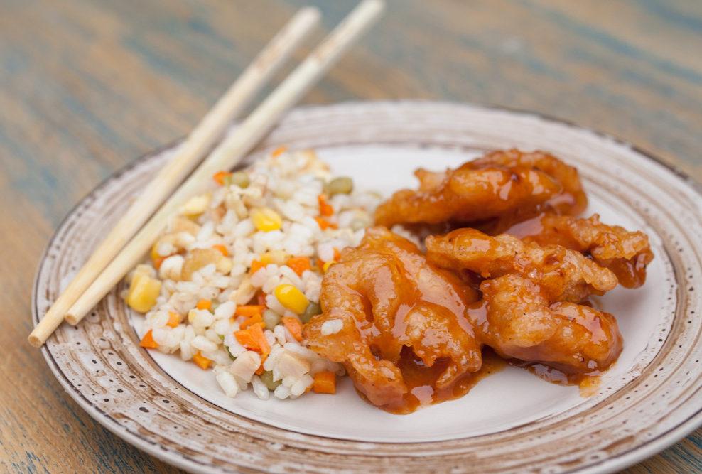 Traški kiniška vištiena su ryžiais
