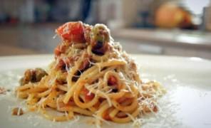 Beatos virtuvė. Makaronai su pomidorų padažu