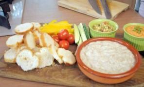 """Beatos virtuvė. Gvakamolė, pupelių ir tuno paštetas, baklažanai """"a la baba ganuš"""""""