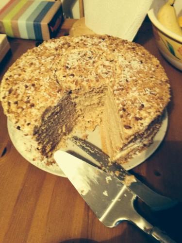 AdaJanusiene tortas Medutis Beatos virtuve