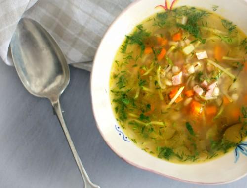 Beatos virtuve_raugintu agurku sriuba