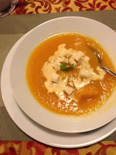 Beatos virtuve, senamiescio kavine darzoviu sriuba