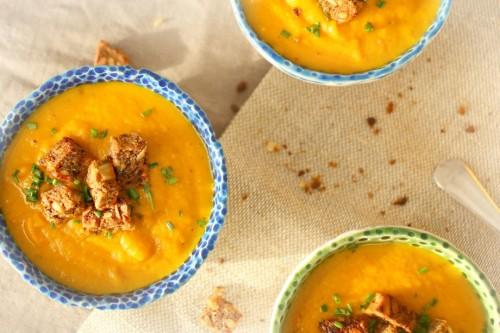 Beatos virtuve_juoda duona_morku sriuba su duona