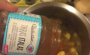 cukiniju, pupeliu ir pomidoru sriuba