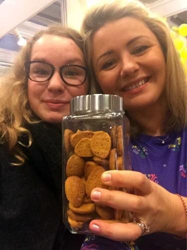 Raminta_chalvos sausainiai su kukuruzu miltais