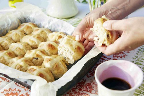 Beatos virtuve_hot cross buns_velykines bandeles_zurnalo