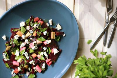 Beatos virtuve_rabarbaru burokeliu salotos