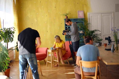 Beata filmuojasi_studija