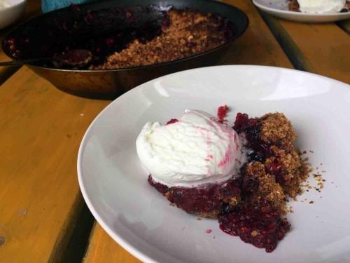 Beatos virtuve_uogu desertas_serbentai