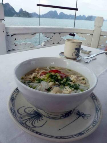 Beatos virtuve_pho sriuba laive