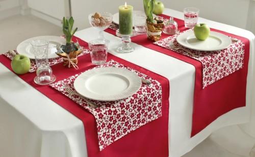 raudona stalo kolekcija